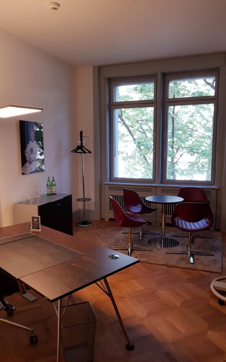 Satellite Office, Office Room