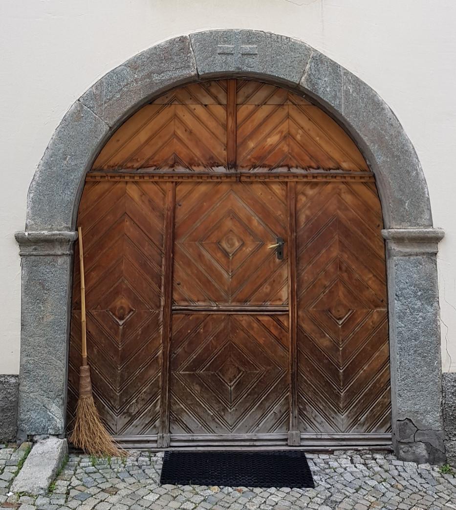 Engadine, Typical House Door1